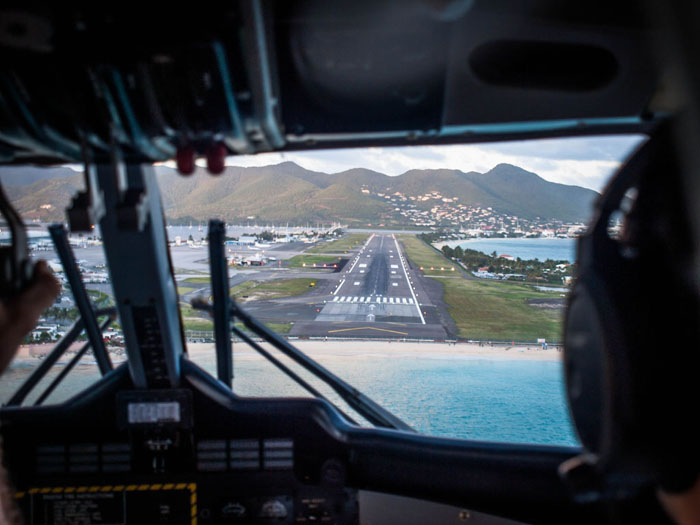 cockpit view landing at st maarten