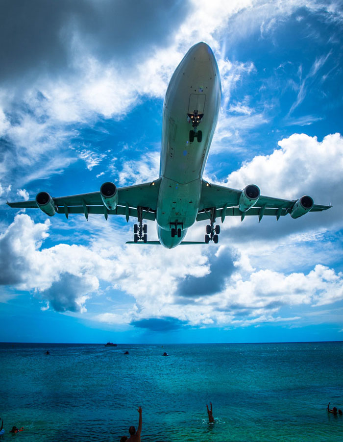 airbus a340 landing maho beach sxm
