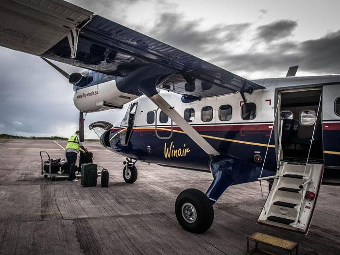 winair twin otter plane